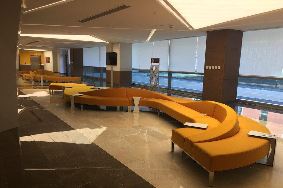 Sala de espera - Clínica MicroFUE
